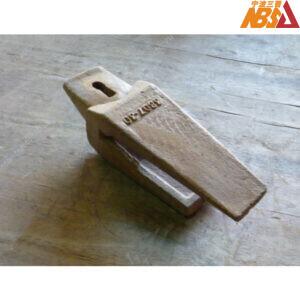 ZX200 ZX240 ZX270 Digger Teeth Adapter Esco 3807-30 Hitachi 4188013